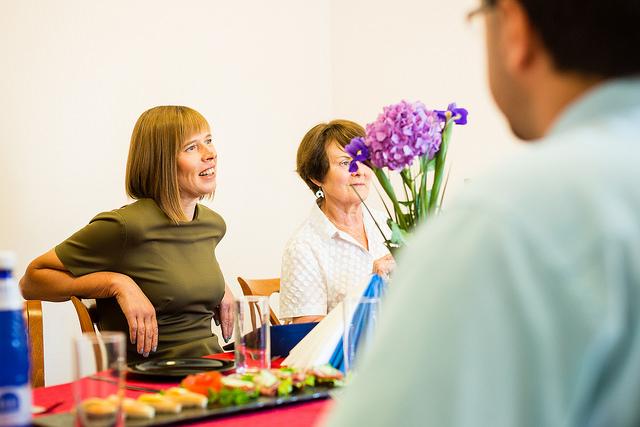 """Kersti Kaljulaid: """"Kogukond aitab tulla toime keeruliste teemadega"""""""